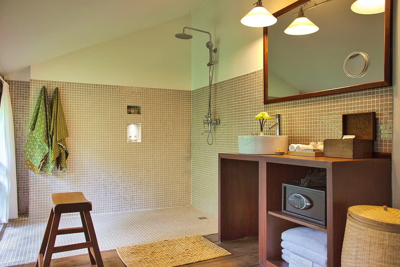 Maison Polanka Siem Reap Green Suite Bathroom