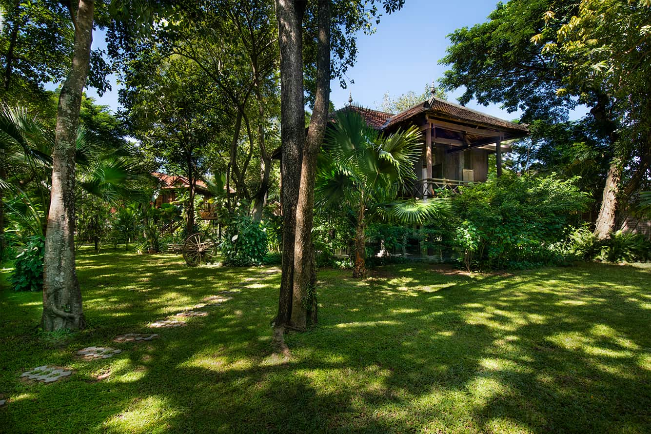 Khmer House Exterior Maison Polanka